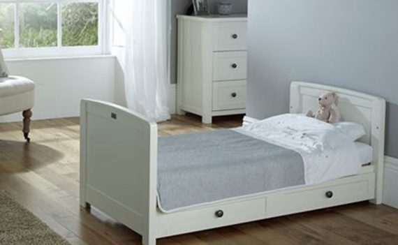 Nostalgia cot bed by Silver Cross www.silvercrossbaby.com