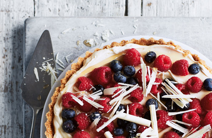 Annabel Karmel: Berry and white chocolate tart