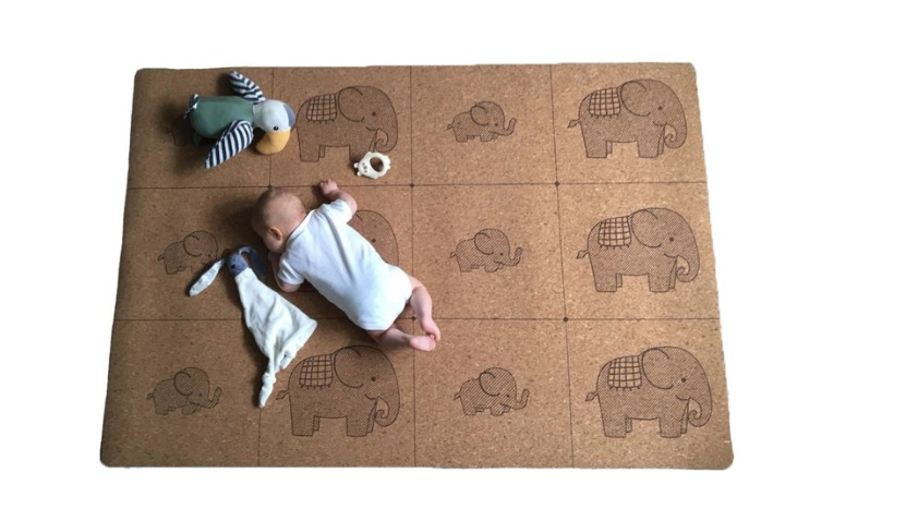 Non toxic play mat by Little Earth Baby